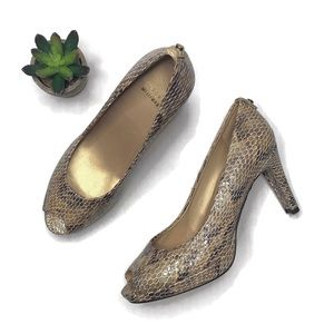 Stuart Weizman Snakeskin Heels | 7.5